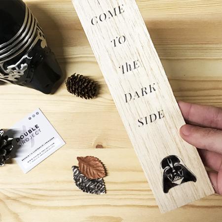 Punto de libro de madera Dark Side - Double Project