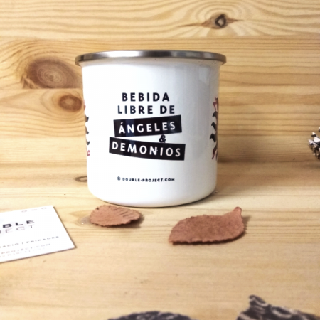 Taza metálica vintage Bebida libre de Ángeles y Demonios | Double Project
