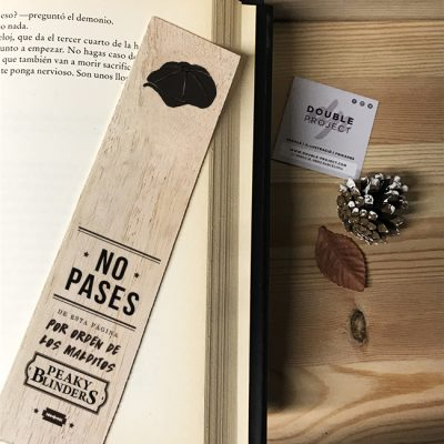 Punto de libro de madera No pases | Double Project