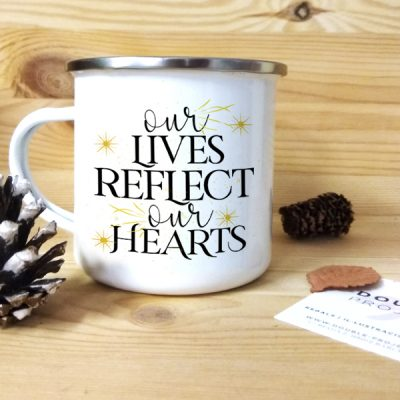 Taza vintage metálica Our lives reflect our hearts
